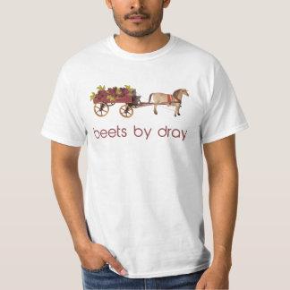 Remolachas en carro traído por caballo polera