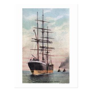 Remolcadores que remolcan una nave al mar tarjetas postales