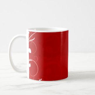 Remolino blanco puro en fondo rojizo taza