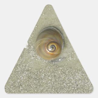 Remolino en la arena pegatina de trianguladas