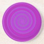 Remolino retro del caramelo en ciruelo púrpura posavasos para bebidas