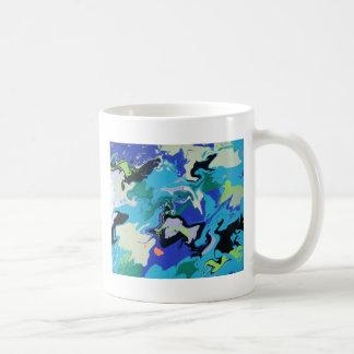 Remolinos azules del mar taza de café