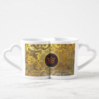 Remolinos de oro antiguos de Falln Set De Tazas De Café