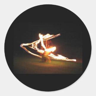 Remolinos del fuego: Danza del fuego de Hawaii Pegatina Redonda