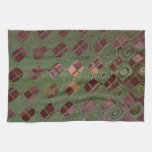 Remolinos del verde y tonos de la tierra toalla