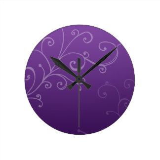 Remolinos elegantes púrpuras reloj de pared