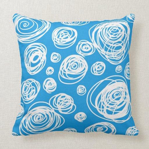 Remolinos en azul almohadas