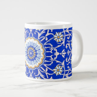Remolinos florales del vintage contra azul del Cor