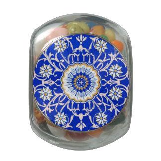 Remolinos florales del vintage contra azul del Cor Frascos De Cristal