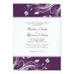 Remolinos florales púrpuras y blancos que casan la invitación 12,7 x 17,8 cm