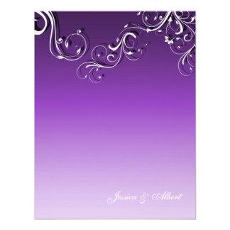 Remolinos lindos florales púrpuras que casan la in