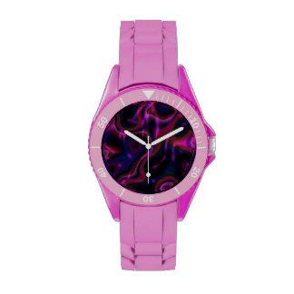 Remolinos multicolores rosados en negro reloj