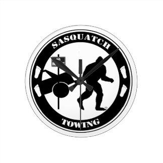 Remolque de Sasquatch Relojes De Pared