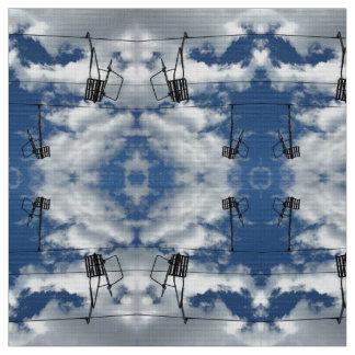 Remontes y tela de la foto del cielo nublado telas