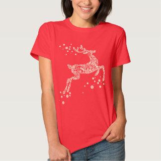 Reno hecho de la camisa del navidad de los copos