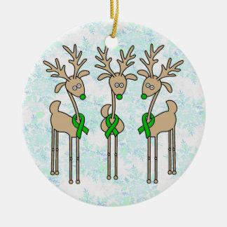 Reno verde de la cinta (cáncer del riñón) adorno navideño redondo de cerámica