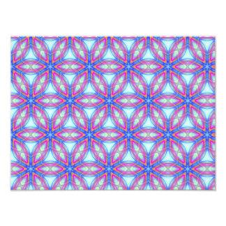 Repitiendo el modelo del caleidoscopio azul y rosa impresion fotografica