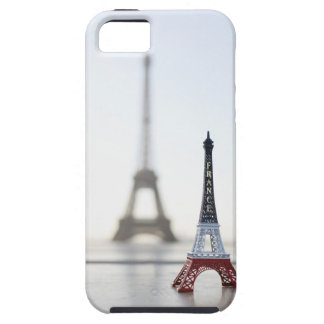 Replica of Eiffel Tower with original one in the iPhone 5 Covers