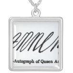Reproducción de la firma de la reina Anne Collares