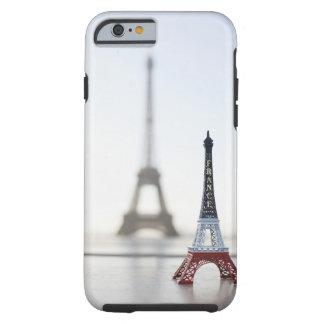Reproducción de la torre Eiffel con la original Funda Resistente iPhone 6