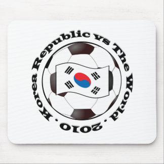 República de Corea contra el mundo Alfombrillas De Ratones
