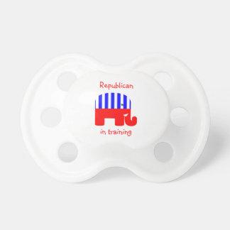Republicano en el entrenamiento chupete de bebe