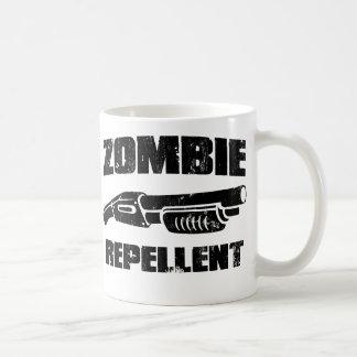 repulsivo del zombi - la escopeta taza básica blanca