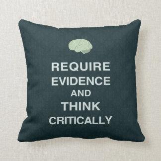 Requiera las pruebas y piense críticamente la almo cojines