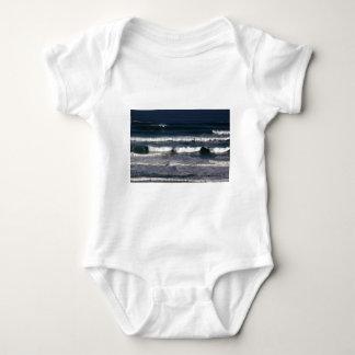 Resaca azul del océano mameluco de bebé
