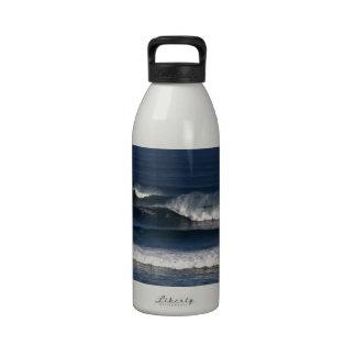 Resaca azul del Océano Pacífico Botella De Beber