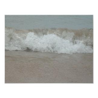 """Resaca de la tormenta de la playa invitación 4.25"""" x 5.5"""""""
