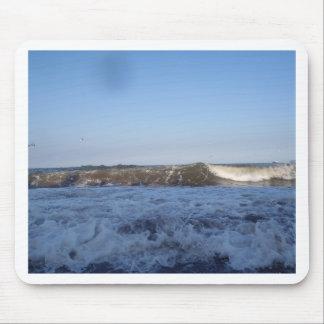 Resaca en la playa del norte de Preston en Paignto Alfombrilla De Ratones