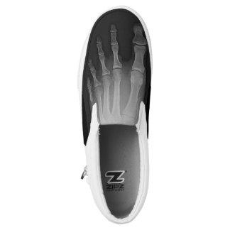 Resbalón de las zapatillas de deporte de la