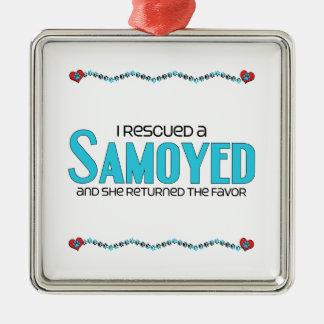 Rescaté a un samoyedo (el perro femenino) adorno de navidad