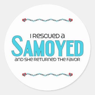 Rescaté a un samoyedo (el perro femenino) pegatina redonda