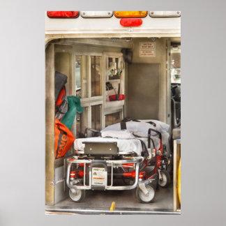 Rescate - dentro de la ambulancia poster
