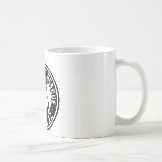 Rescate sonriente del perro tazas de café
