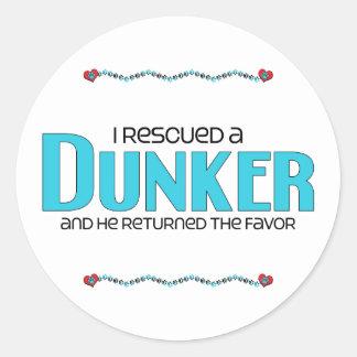 Rescaté un Dunker (el perro masculino) Pegatina Redonda