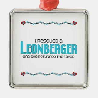 Rescaté un Leonberger el perro femenino Ornamente De Reyes