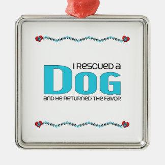 Rescaté un perro el perro masculino ornamente de reyes