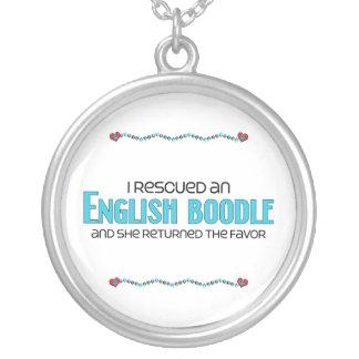 Rescaté una adopción (femenina) inglesa del perro collar plateado