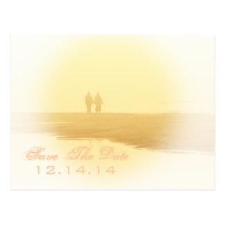 Reserva amarilla de la playa del corazón la fecha tarjetas postales