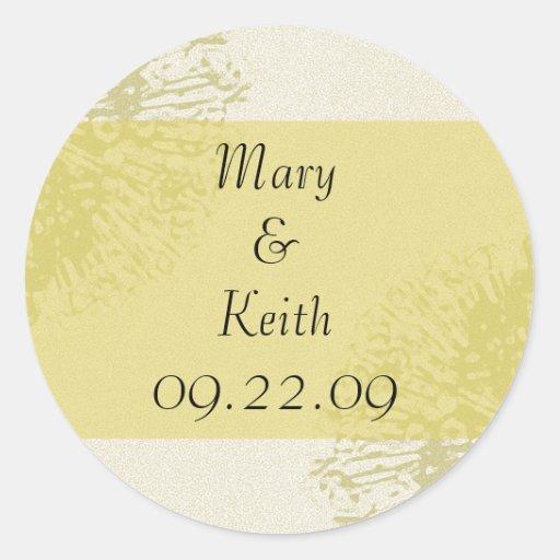 Reserva amarilla del flor la fecha pegatina redonda