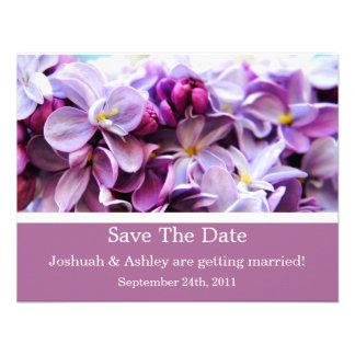 Reserva de la flor de la lavanda que la fecha invi invitacion personal