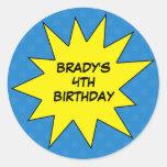 Reserva del azul el cumpleaños del personalizado d etiqueta redonda