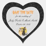 Reserva del boda de Halloween del gato y del búho Pegatina En Forma De Corazón