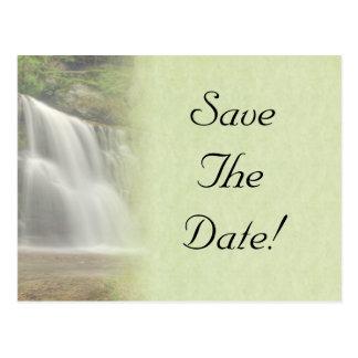 Reserva del boda de la cascada la fecha postal