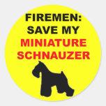 Reserva del bombero mi Schnauzer miniatura Etiqueta Redonda