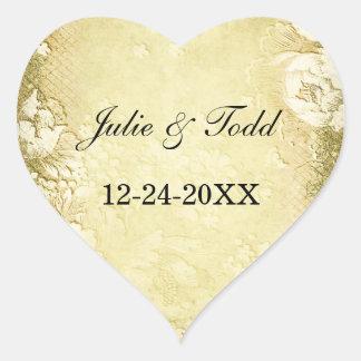 Reserva floral del oro antiguo del vintage el boda pegatina en forma de corazón