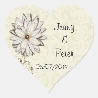Reserva floral elegante el diseño de la fecha pegatina en forma de corazón